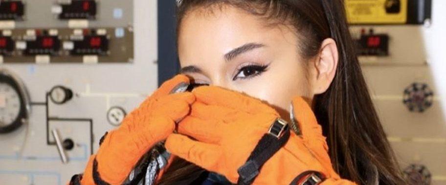Ariana Grande visita la NASA
