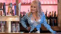 Netflix lanza tráiler de Dolly Parton: Acordes del corazón