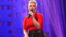 Pink dona medio millón de dólares contra los incendios en Australia